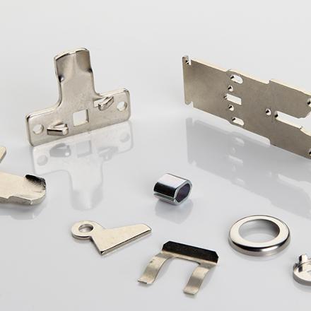 Fabricante de piezas y arandelas metálicas especiales por estampación metálica