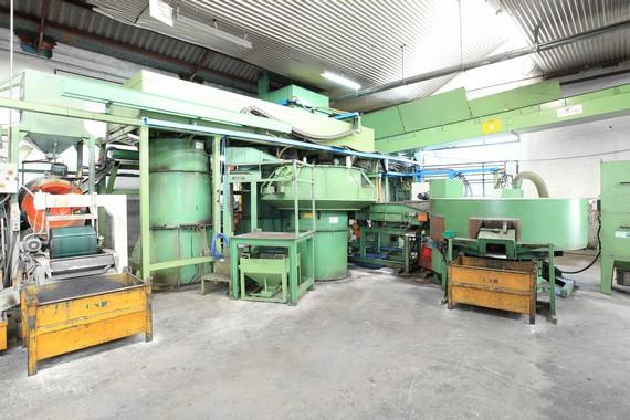 Polissage ébavurage et traitements thermiques pour notre production de pièces métallique en frappe froid